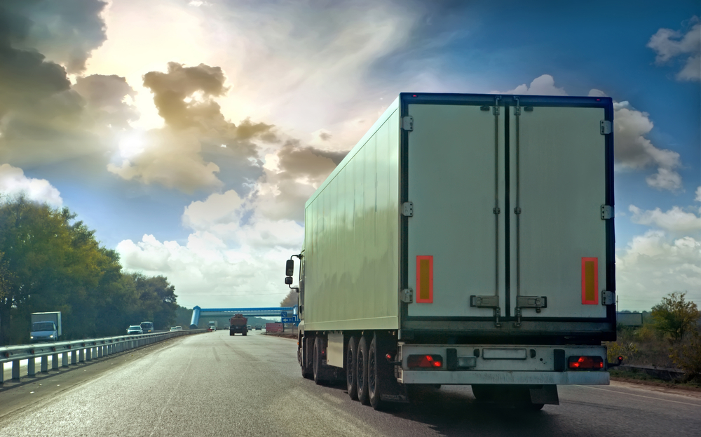 How to Save Money on LTL Shipments